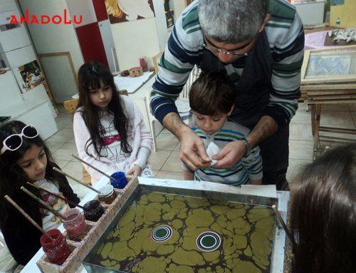 Bursadaki Ebru Gösterisi ve Ebru Eğitimleri İçin Kurslarımız
