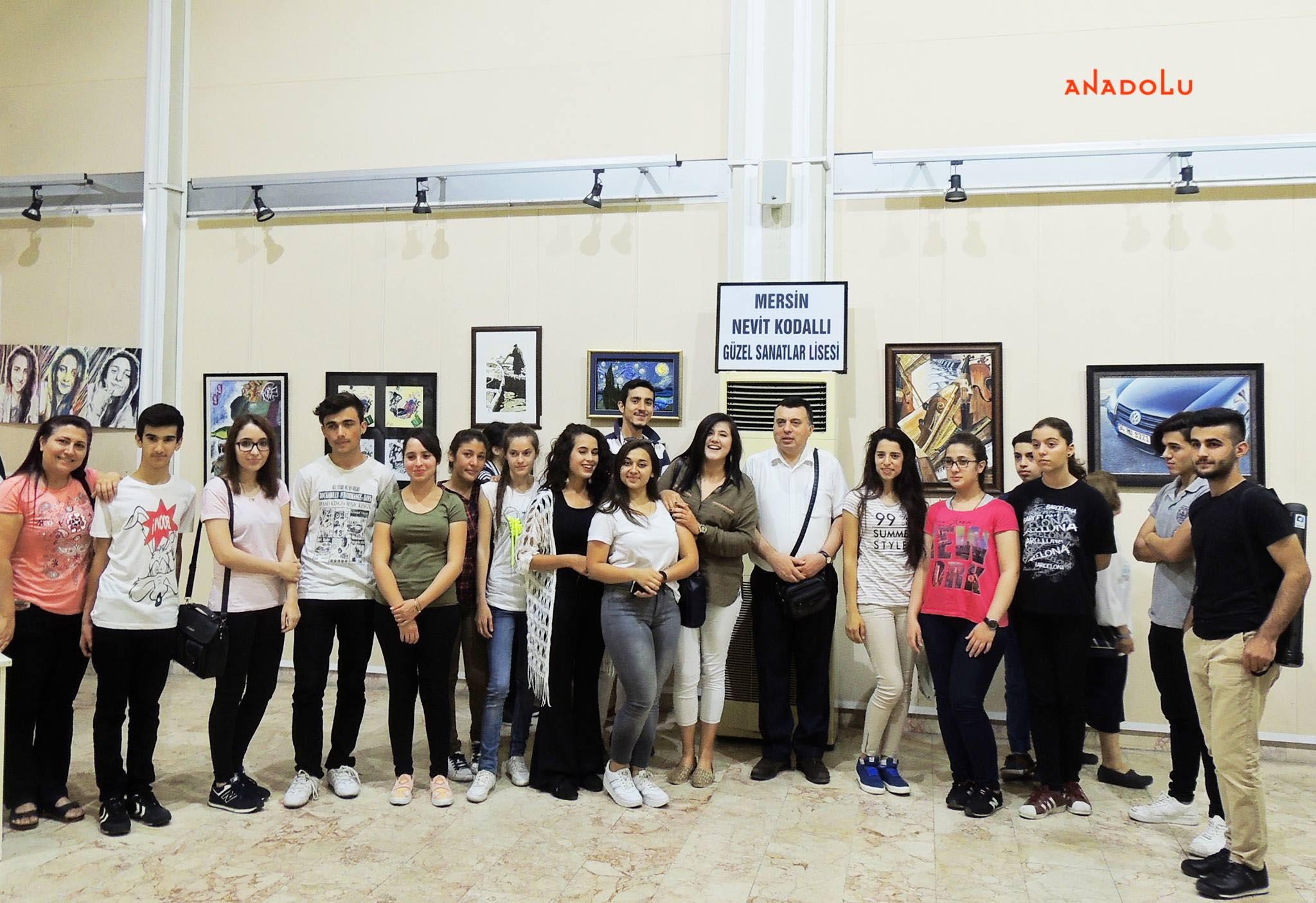 Anadolu Güzel Sanatlar Resim Sergilerden Bursa
