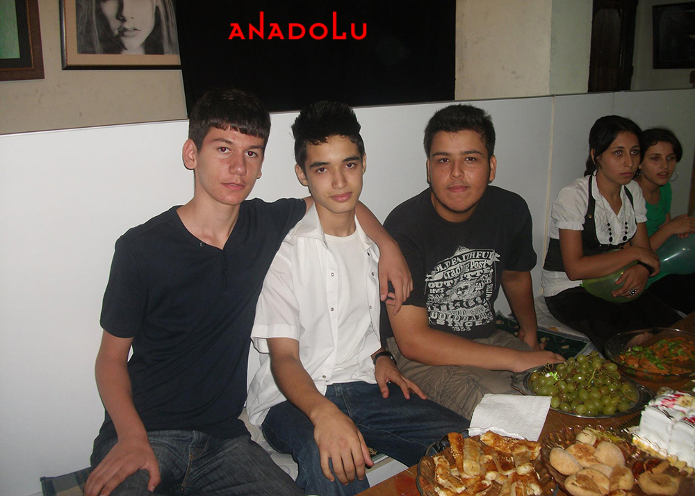 Bursada Anadolu Güzel Sanatları Lisesini Kazanan Öğrenciler